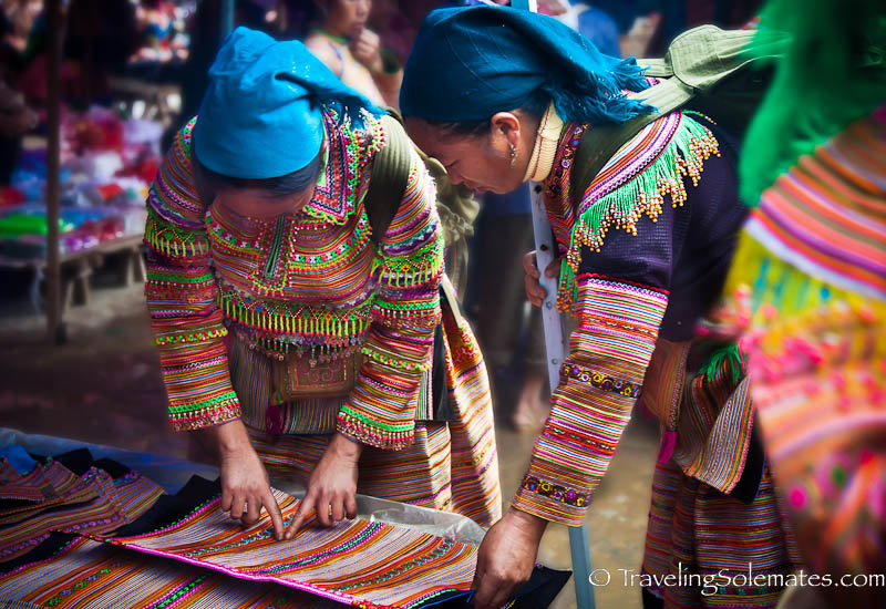 Asia,Store,Textile,Thailand,Three People,Tradition,Traditional Clothing,Variation,Village,WomenPhotographer
